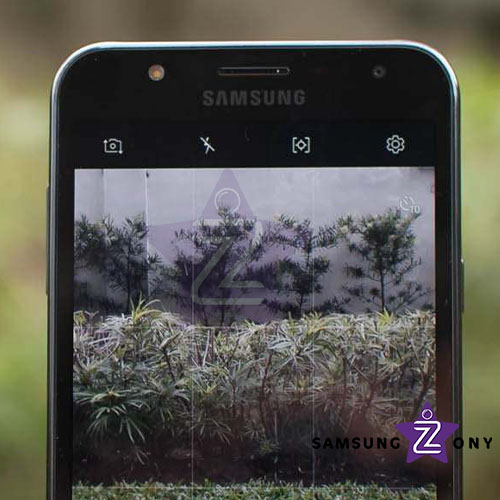 samsung-galaxy-j7-core-front-camera-review
